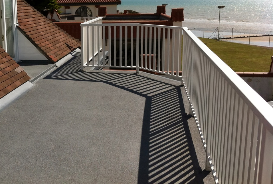 services/flat-roofing-grp.jpg